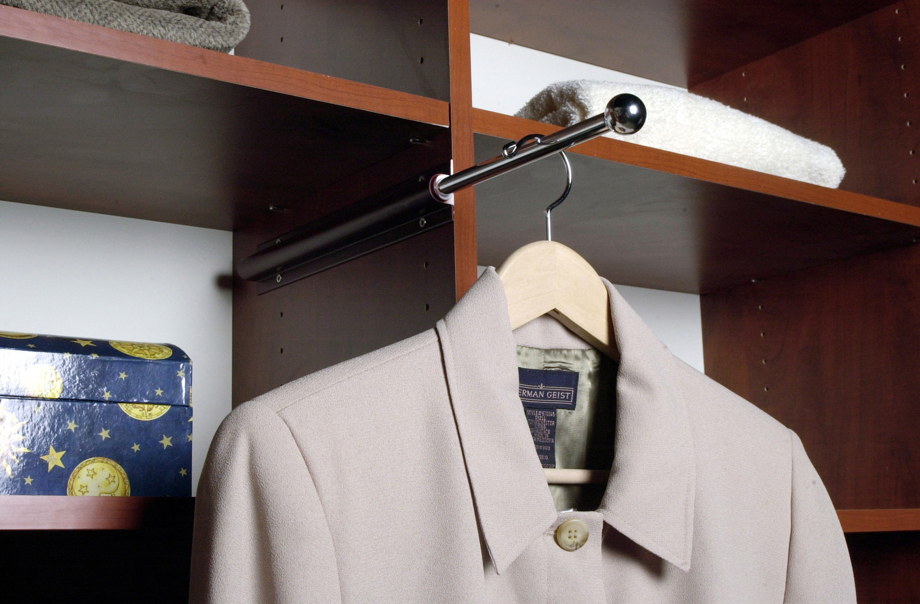 Genial Retractable Valet Rod Closets. Closets Garages